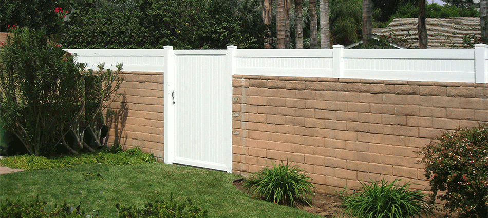 "Blockwall Extension with GateStandard Sizes: 18""- 24""- 30""- 36"" high   Variety colors."